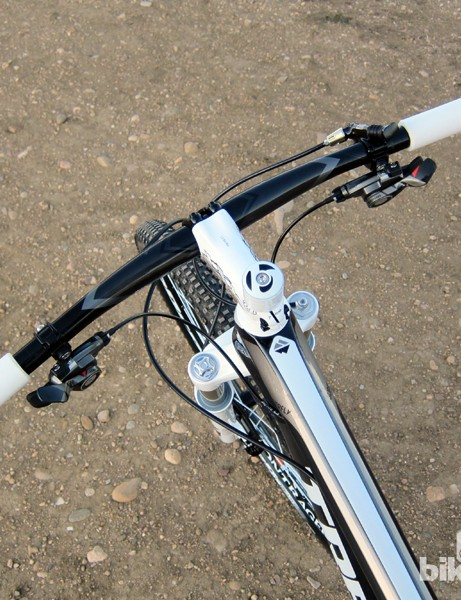The Bontrager Race X Lite Carbon Big Sweep bars are usefully wide at 660mm and sport a comfortable 12-degree bend