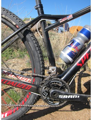 The curved seat tube allows for short 436mm chainstays