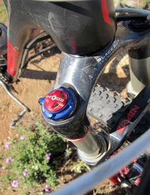The Specialized-exclusive Brain inertia damper has adjustable threshold to help fine-tune the ride