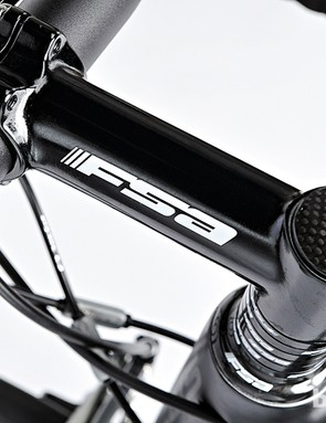 An FSA cockpit and tapered head-tube keep the front end sharp and stiff