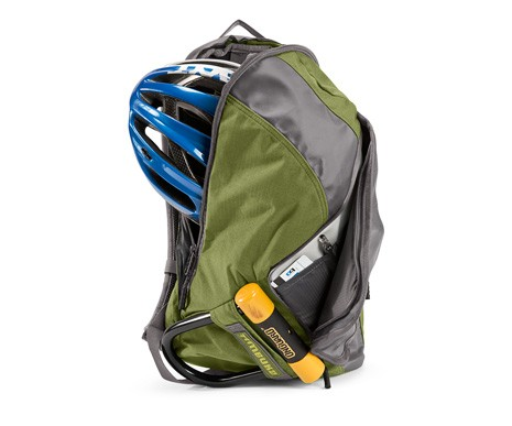 Outer pockets and sleeves on the Timbuk2 Especial Dos are useful for organizing smaller items and keeping your lock handy