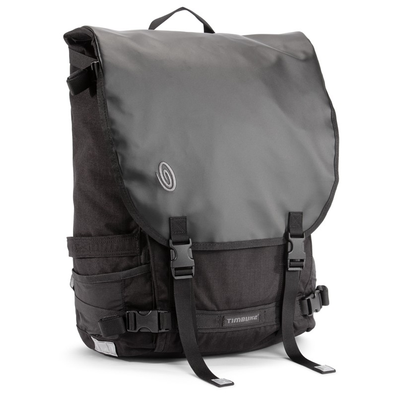 The new Timbuk2 Especial Cuatro is a monster of a bag with 35 liters of capacity with the flap closed but much more if you leave it open and utilize the supplementary straps