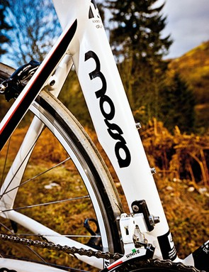 The sliding seat post clamp lets you push the saddle right forward for an aggressive, run-friendly position