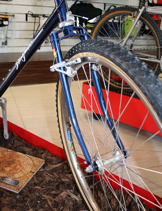 The steel fork of the 1981 Stumpjumper is far removed than those of the present day