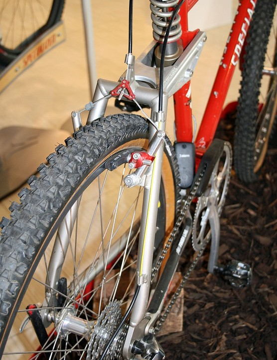 Full suspension bikes were a little different in 1994. Only 18 years have passed, but the technology has made quantum leaps