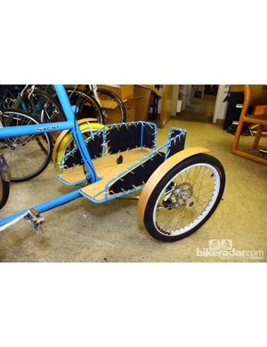 Even heavy loads should be no problem with the double front wheels on this Sycip cargo trike