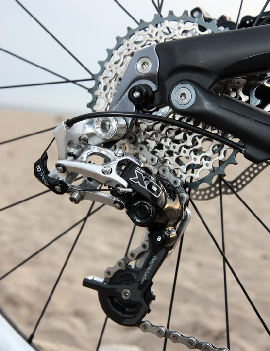 SRAM will offer the new Type 2 rear derailleurs in both X0 and X9 guise. The weight penalty is only 30g but the gain in performance is tremendous