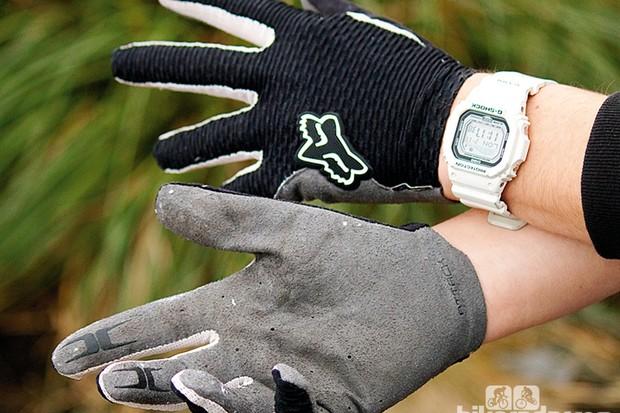 Fox Attack gloves