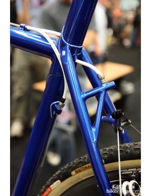 The rear brake cable is run through the top tube on this Shamrock Cycles 'cross racer