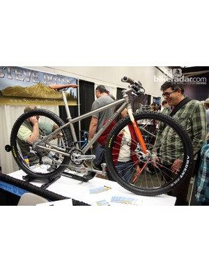 Framebuilding legend Steve Potts showed off this fully rigid titanium 29er