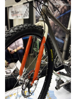 Steve Potts builds his rigid 29er fork with an ultra-short axle-to-crown length instead of making compromises to accommodate a possible switch to suspension. Potts says that in his experience, few riders actually stray away from the rigid fork, anyway
