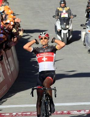 Fabian Cancellara (RadioShack-Nissan) tested — and won on — a new Trek classics-specific bike at Strade Bianche