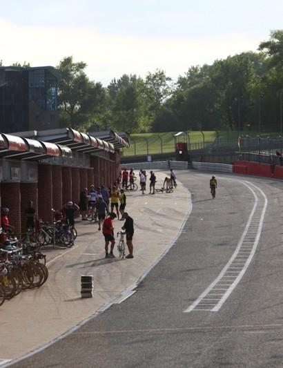 Pit lane action during Cyclothon 2011