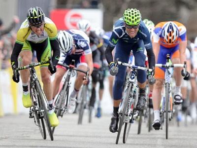 Alejandro Valverde (R) pips Simon Gerrans (L) to win stage 3 of Paris-Nice