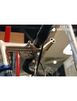 The sturdy front bag on this Ira Ryan randonneur bike neatly wraps underneath the bars.
