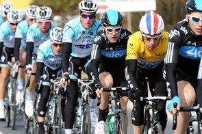 Wiggins well protected by Sky during stage 4