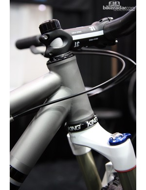 Once again, a 44mm-diameter head tube, this time from Alliance Bicycles. Expect this size to become increasingly commonplace