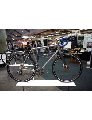 Caletti's titanium 'cross bike was thoroughly modern with disc brakes front and rear, a tapered fork and a 44mm-diameter head tube