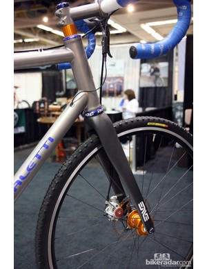 Yep - another 44mm-diameter head tube, this time from Caletti