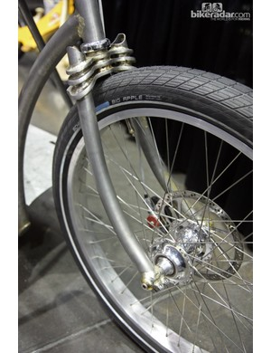 The burly fork on this My Dutch Bicycle beer keg hauler boasts triple crown plates and through-axle dropouts