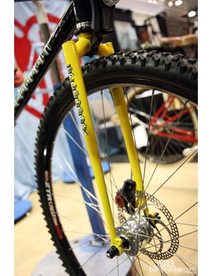Chris Igleheart fitted this monstercross bike with his own segmented steel fork