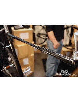 Cykelmageren say this tube isn't actually twisted. Instead, there's just a strip brazed along the length to make it look that way