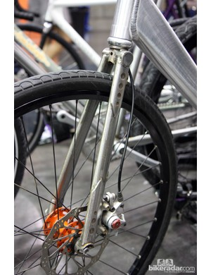 Broakland fitted this NAHBS machine with their own segmented steel disc fork