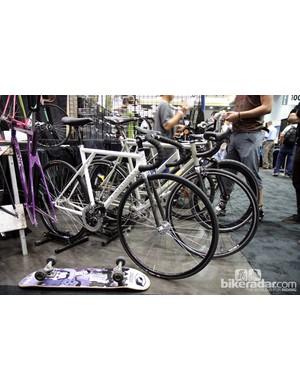 Broakland's track bike harkens back to the old GT Triple Triangle frame design