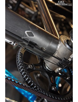 A bolt feeds in from the bottom to secure the two halves of Santana's z-joint boom tube