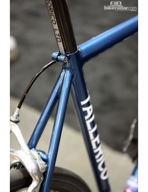 Tallerico join the seatstays very close together on this steel road bike