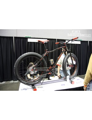 New builders Vibe Cycles displayed this intriguing snow bike