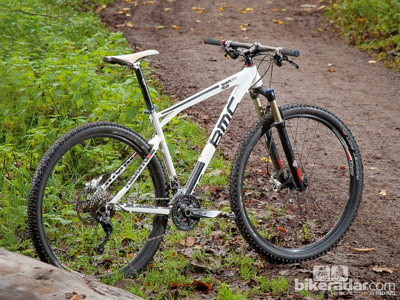 The BMC Team Elite 29 SLX offers a great ride character that's up there with the liveliest of 26in-wheeled bikes