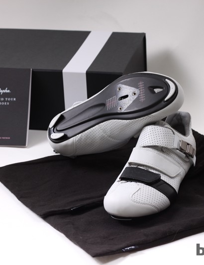 Rapha/Giro include three sets of SuperNatural arch supports to customize the feel of the shoe