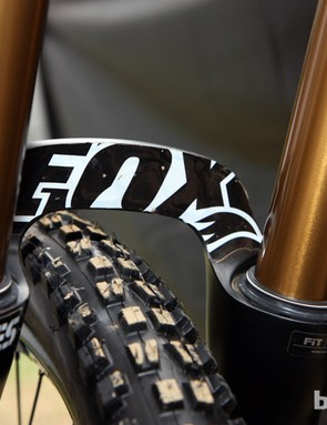 The webbed brace on Jared Graves' (Yeti) Fox 40 fork is covered up with a carefully applied decal