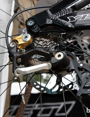 Jared Graves' tight-ratio gearing requires just a short cage on the Shimano Saint rear derailleur