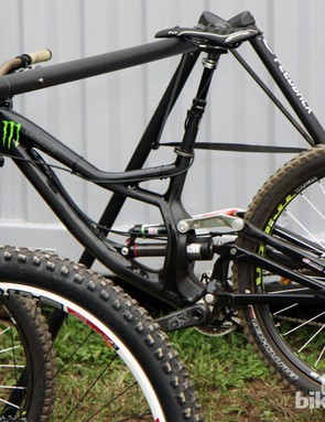 The Monster Energy-Specialized mechanic wouldn't allow us to shoot pictures of Sam Hill's new Demo Carbon - so we had to hide behind a trailer and make use of our zoom lens
