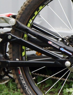 The rear triangle is still welded aluminum on Sam Hill's new Monster Energy-Specialized Demo Carbon