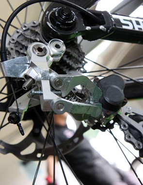 The chunky machined aluminum parallelogram links on Aaron Gwin's (Trek World Racing) prototype Shimano Saint Shadow Plus rear derailleur has clearly already taken some hits but it seems to be holding up well