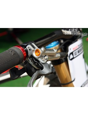 The reach adjuster on Aaron Gwin's (Trek World Racing) Shimano brake levers differs from the current version