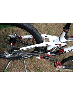 Even the seat stays are carbon fiber on Aaron Gwin's (Trek World Racing) Trek Session 9.9. The chain stays are still welded aluminum