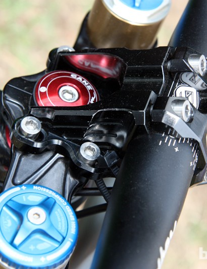 Even the stem is affixed with titanium bolts on Aaron Gwin's Trek World Racing Trek Session 9.9