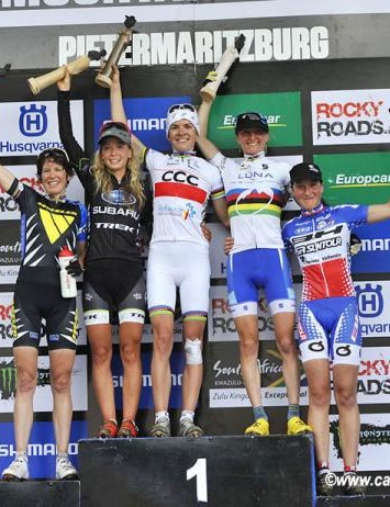 Elite women's podium in Pietermaritzburg, South Africa: Esther Süss, Emily Batty, Maja Wloszczowska, Catharine Pendrel, Julie Bresset