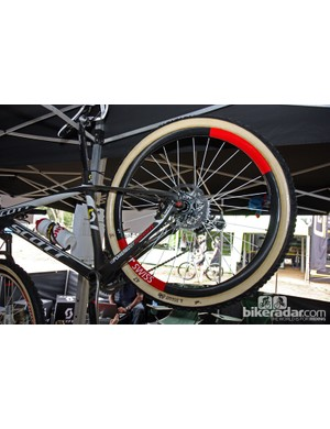 DT Swiss provided the Scott-Swisspower team with 650b carbon fiber tubular wheels. Given the expense of cutting molds, readers should take this as a indication of the company's commitment to the format.