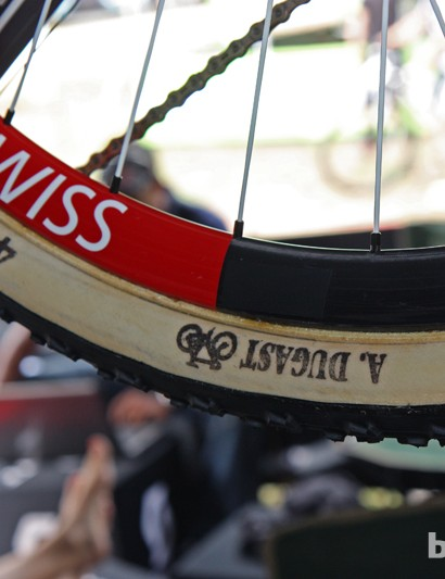 Like most pros we saw in Pietermaritz who were also using tubular tires, Scott-Swisspower's rubber comes courtesy of Dugast. Thomas Frischknecht's bike shown here was fitted with 47mm-wide tires but race winner Nino Schurter ran the 50mm-wide version.