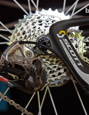Scott is again utilizing a full-carbon rear end and dropout system on the 650b-equipped Scott-Swisspower team bikes.