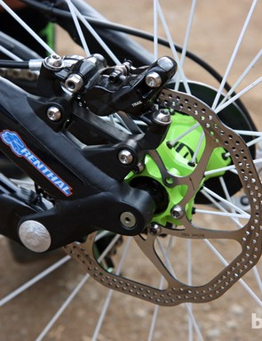 Hmm, what's this on Sam Hill's (Monster Energy-Specialized) bike? It's SRAM's new four-piston X0 Trail brake. More on this soon