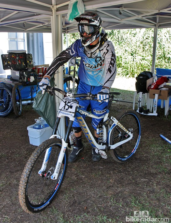 Andrew Neethling (Giant Factory Team) was among several athletes in Pietermaritzburg using a BlackBox-edition RockShox Boxxer fork. That's not a BlackBox-only logo, by the way - it's the new look of RockShox forks from MY2013 forward