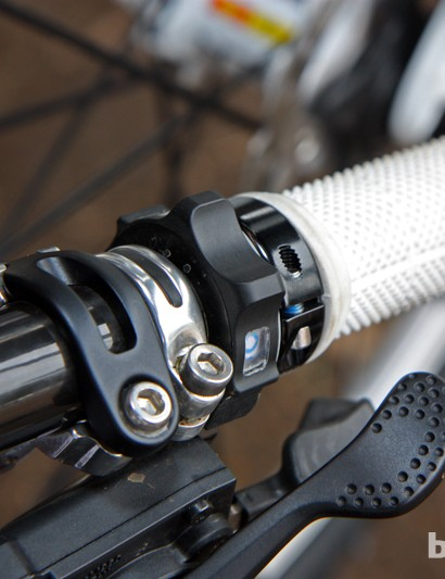 The rotary design of the new Fox electronic fork remote is curious - how many 'modes' are there, we wonder?