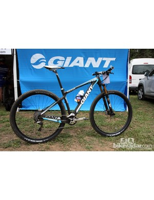 Adam Craig (Rabobank-Giant) sported several prototype Shimano and Fox bits on his race-trimmed Giant XtC Composite 29'er carbon hardtail in Pietermaritzburg, South Africa. Training wheels are fitted here for warm-up