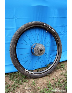 Rabobank-Giant's prototype Shimano carbon fiber tubular mountain bike wheels are ultralight, with claimed weights around 1,120g for the 26in version and 1,240g for the 29ers pictured here